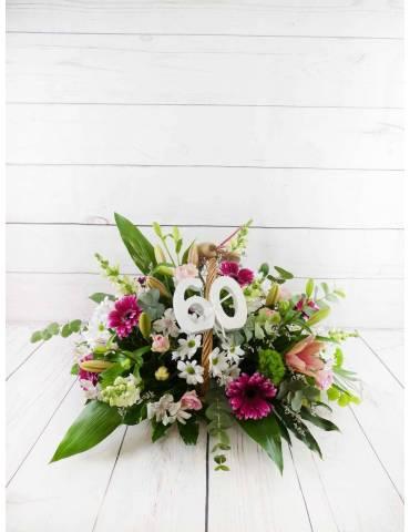 Cesta con flores aniversario