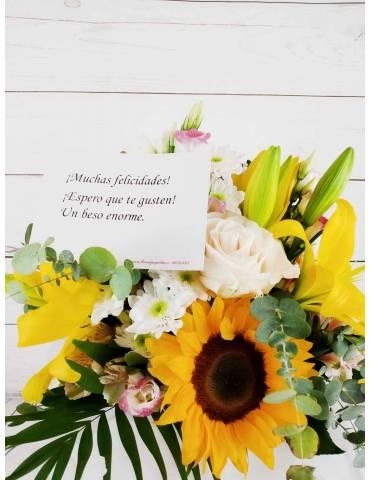 tarjeta dedicatoria en ramo de flores variado