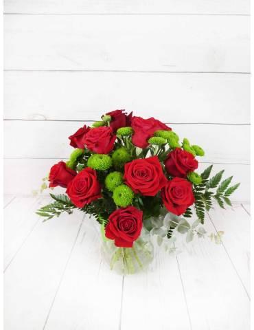 rosas rojas y boton verde