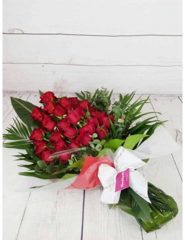 Ramo funerario de rosas