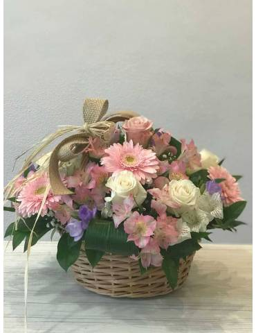 cesta de flores frescas