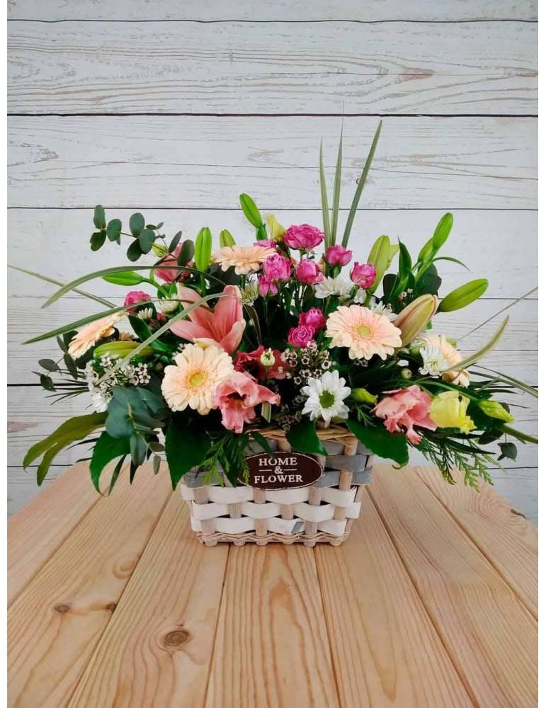 cesta de flores para nacimiento de bebe