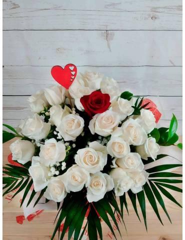 Ramo 40 Rosas: 39 Blancas y...