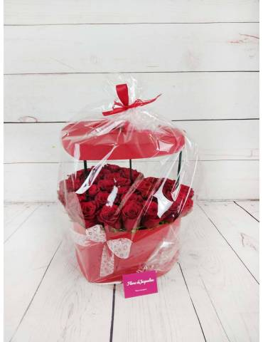 caja corazon con 31 rosas rojas